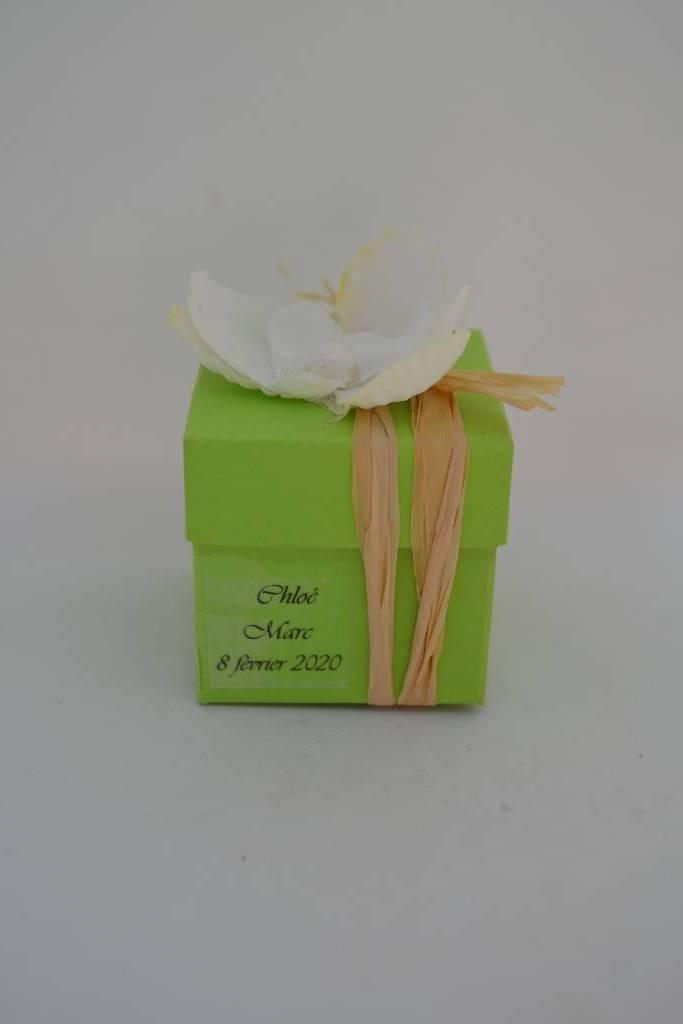 Mini cube à dragée orchidée naturel le festival de la dragée