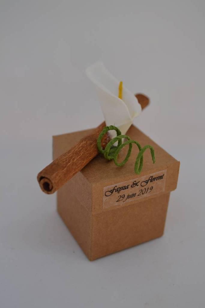 Mini cube à dragée cannelle et bois le festival de la dragée