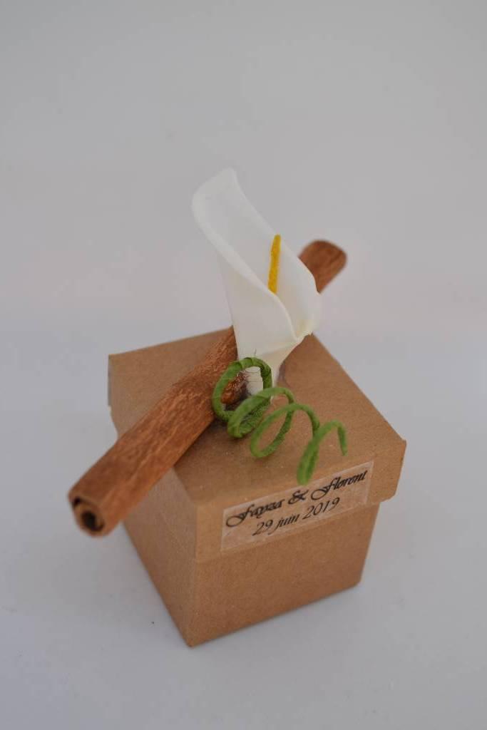 Ballotin à dragée cartonné thème bois et nature le festival de la dragée
