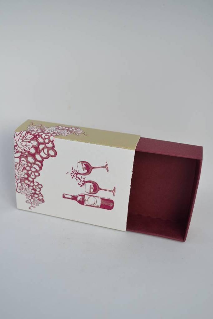 Dragée dans un fourreau sur le thème du vin le festival de la dragée