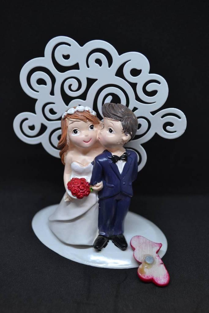 Figurine couple de mariés bisous festival de la dragée