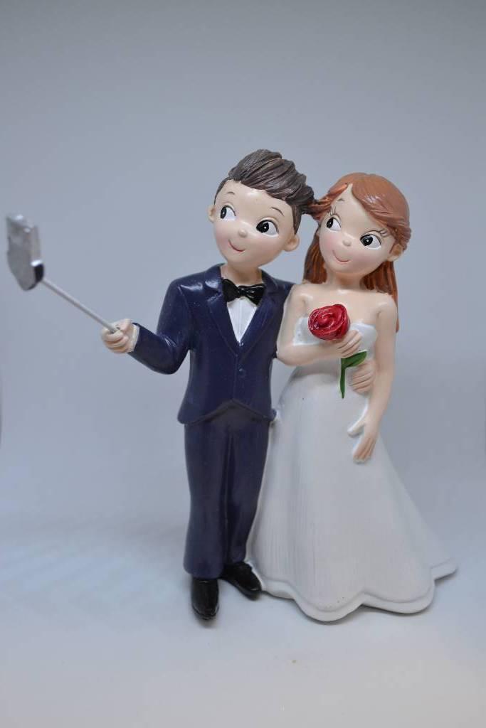 Figurine de mariés pièce montée selfie festival de la dragée
